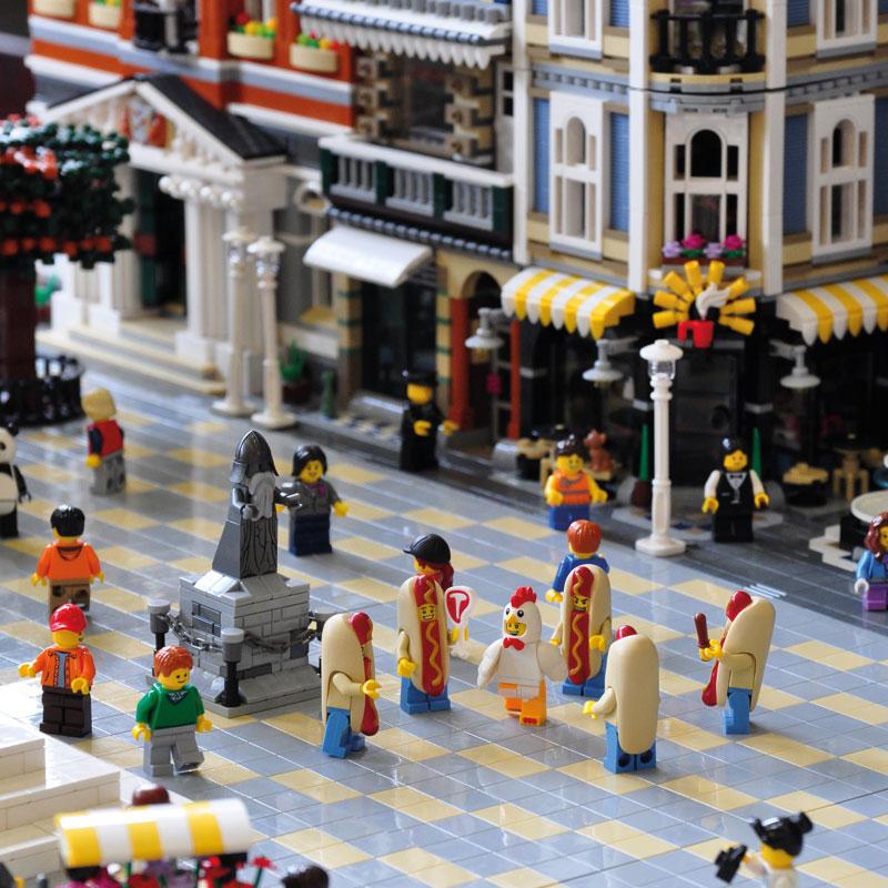 Traiettorie Instabili Mattoncini in Villa Lego
